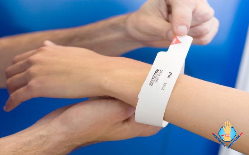 vòng tay bệnh viện